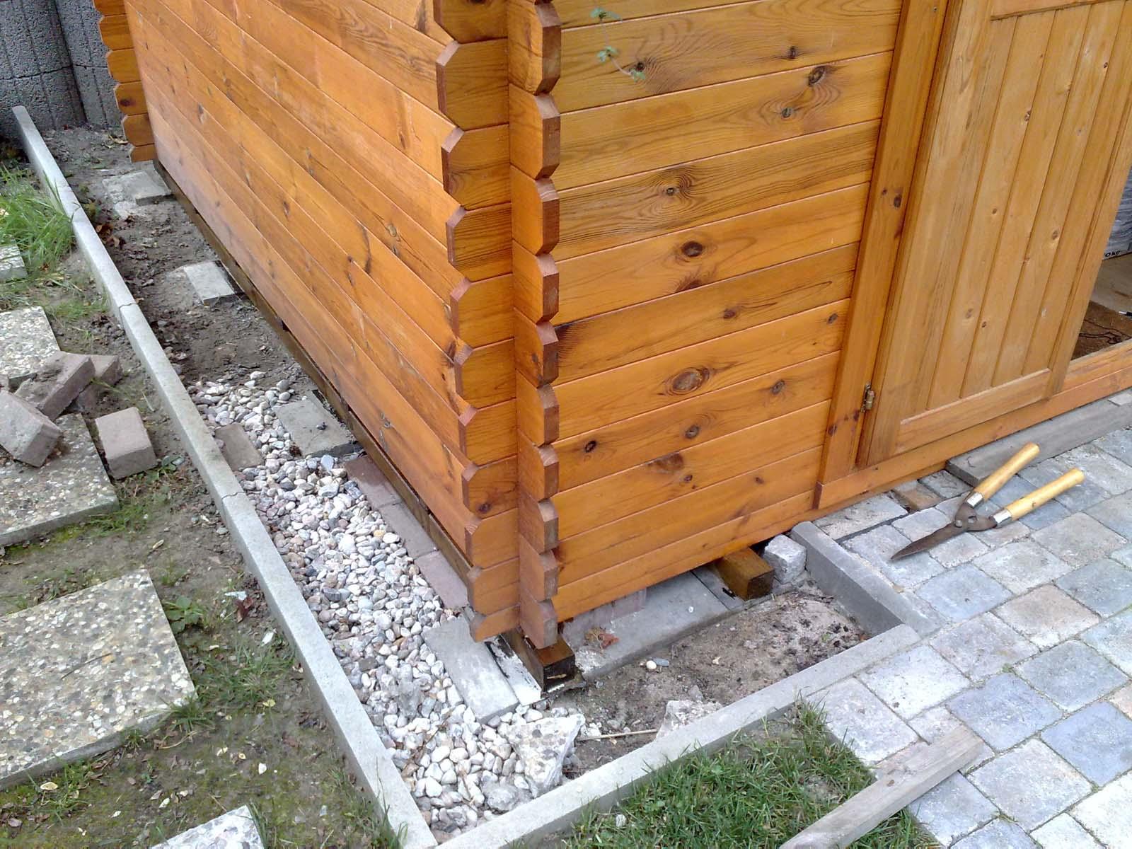 Gartenhaus: Kiesumrandung | Vegetation daheim
