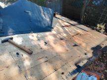 Erneuerung des Gartenhausdachs